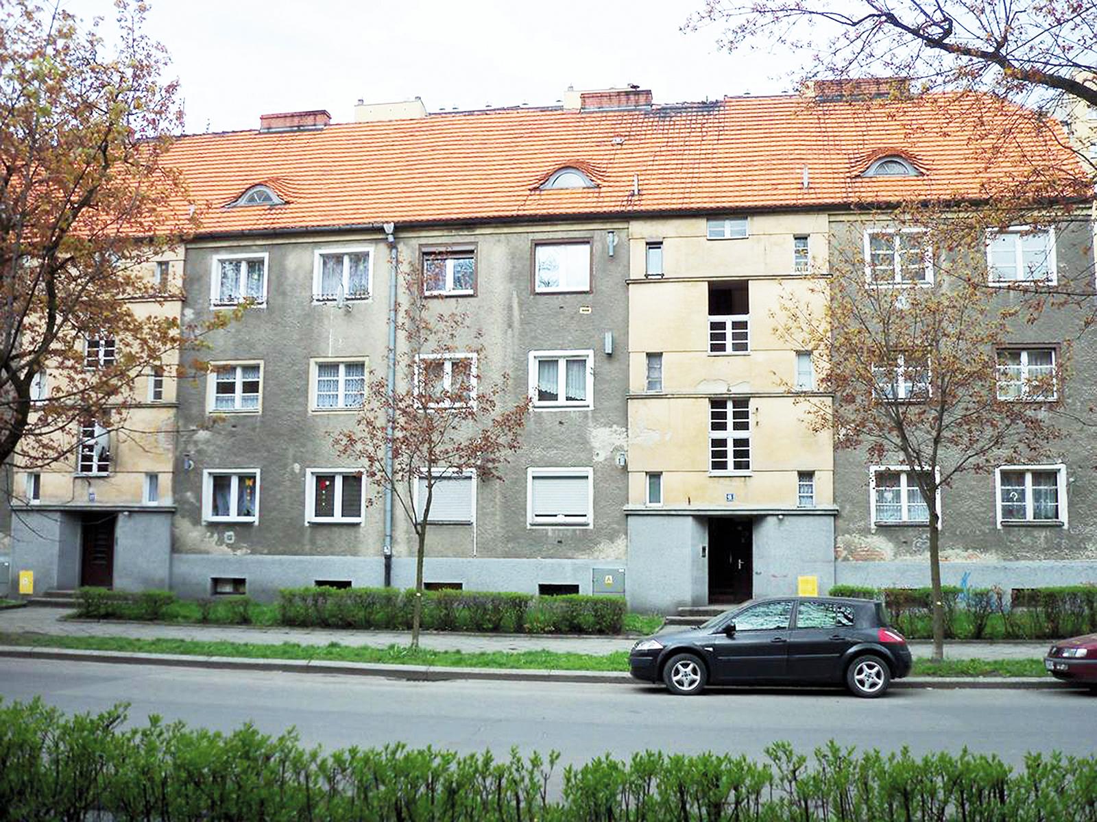 Budynki przy ul. Skłodowskiej przed modernizacją