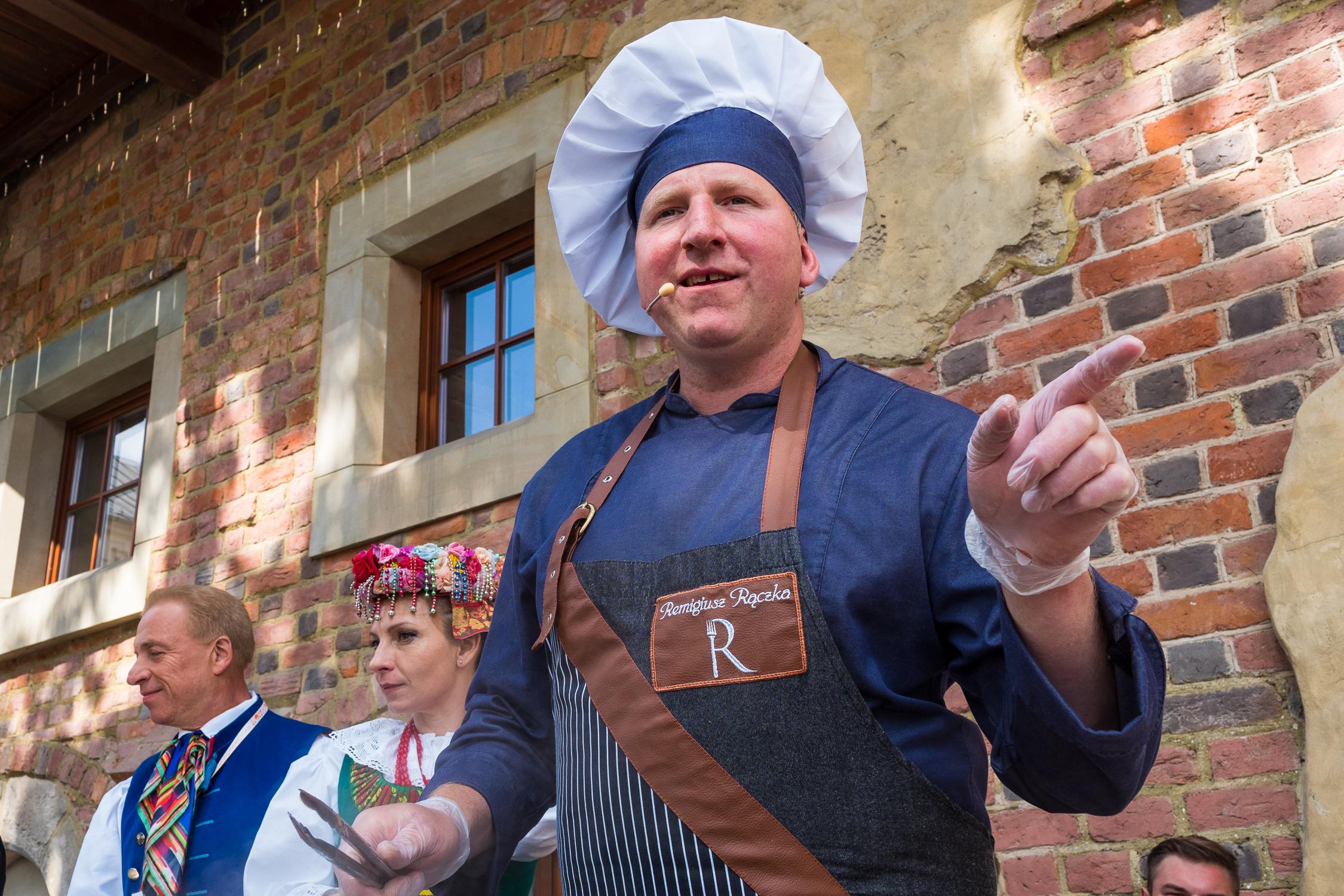 Remigiusz Rączka w pokazie kulinarnym Barbara lubi rabarbar