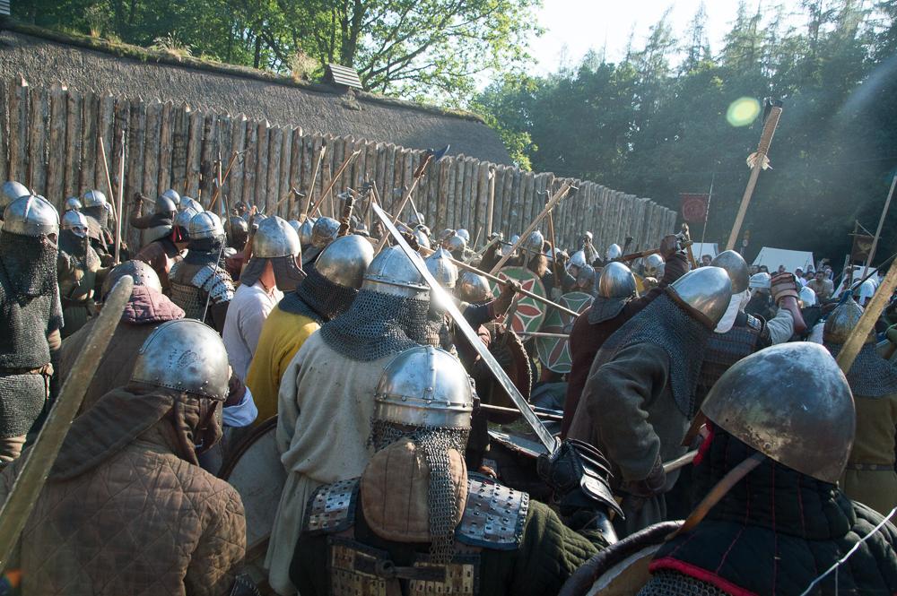 Szukanie luki w formacji przeciwnika, nawoływanie i... walka, walka, walka. Walka w piekielnym upale. Tak wyglądała wielka bitwa stoczona 19 czerwca pod raciborskim grodem.