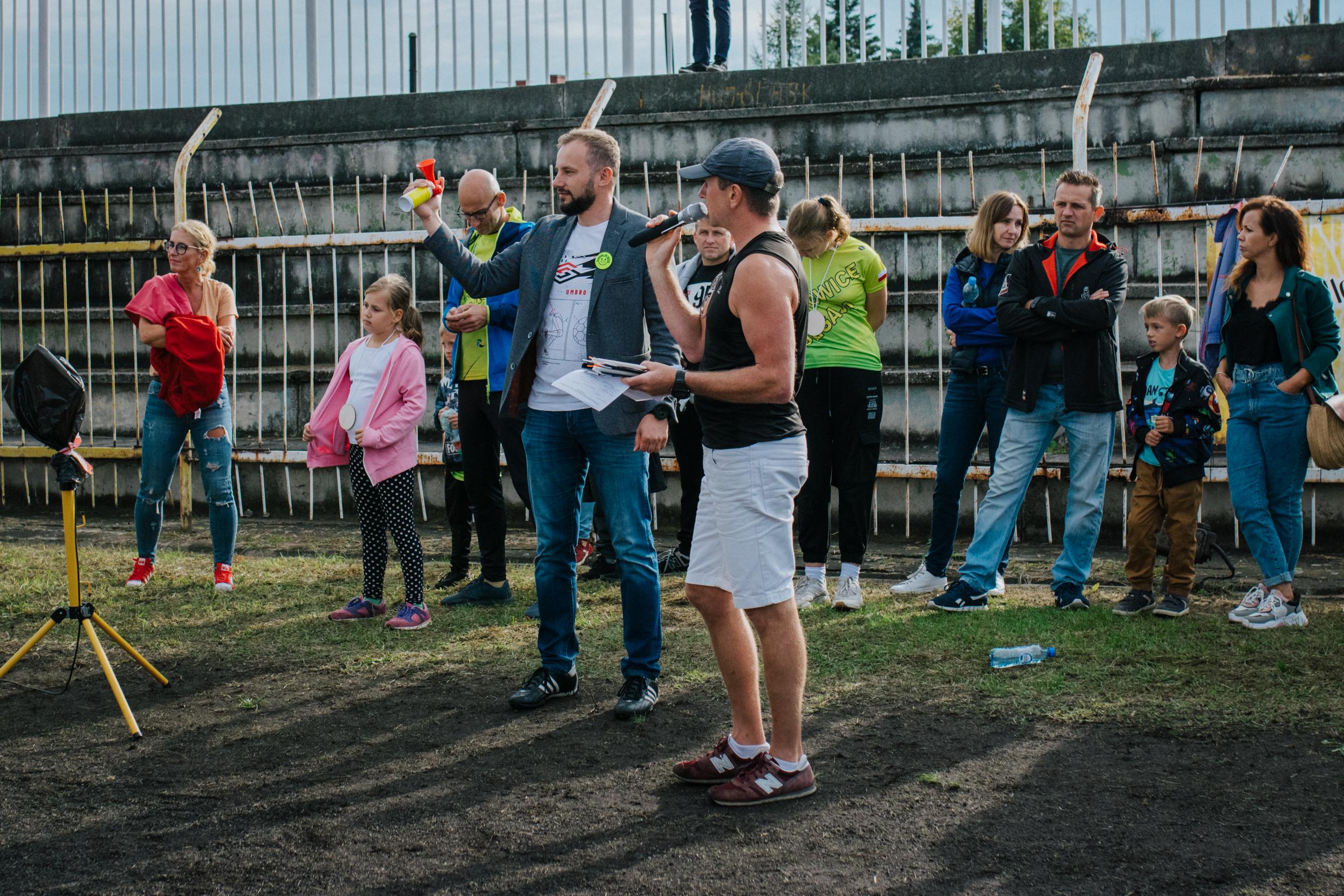 Starterem biegu głównego był burmistrz miasta Rydułtowy, Marcin Połomski
